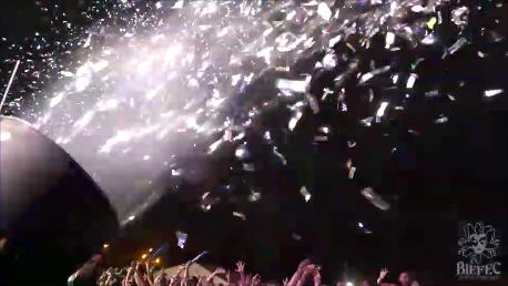 Efectos especiales con cañones de confeti para espectáculos y conciertos. BIEFEC FX Efectos Especiales.