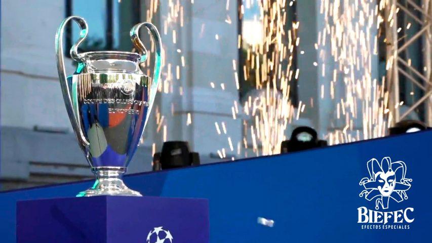 BIEFEC FX Efectos Especiales en el recibimiento de la Copa de la UEFA Champions League Madrid 2019 con fuego frío sin pirotecnia (Sparkular Fall, Sparkular Vertical), Humo Vertical LED, Cañones de Confeti.